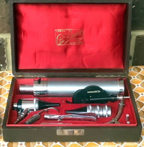 Vintage Pre-war Charles Thackray Ophthalmoscope Otoscope Set. Chas. F. Thackray