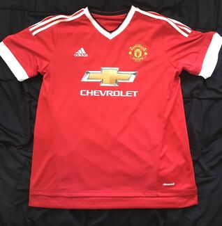 Men's Manchester United jersey