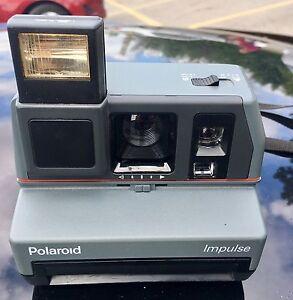 Polaroid Instant Camera - WORKING.