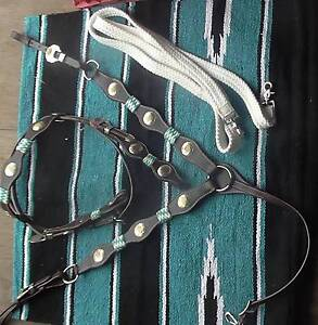 NEW BRIDLE BREASTPLATE  $150 AND BLANKET $40  PADS $80 REINS $40 North Maclean Logan Area Preview