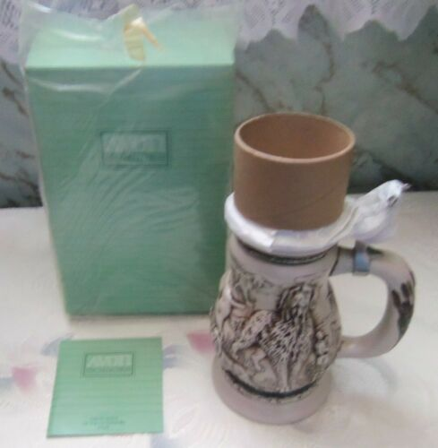 """1991 Avon """"Great Dogs of the Outdoors"""" stein, NIB. Made in Brazil"""