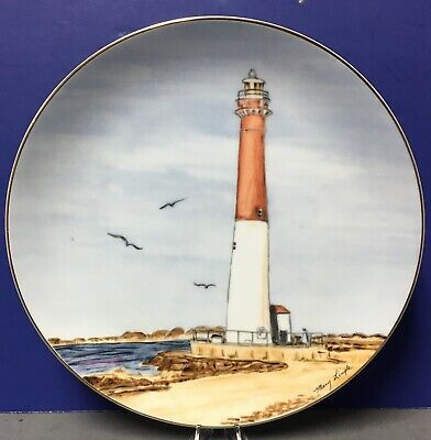 Lighthouse Collectible Plates (LEFTON HISTORICAL LIGHTHOUSE COLLECTION PLATE-BARNEGAT LIFGHTHOUSE)