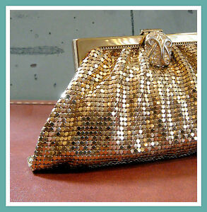 Vintage-Whiting-Davis-Rhinestone-Clasp-Gold-Metal-Mesh-Purse-Evening-Bag