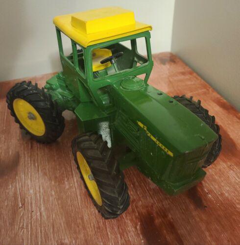 Vintage ERTL 1/16 John Deere 7520 Tractor