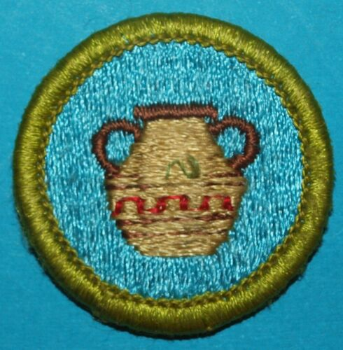 POTTERY TYPE H  MERIT BADGE - NEW  -  BOY SCOUTS  - 9274