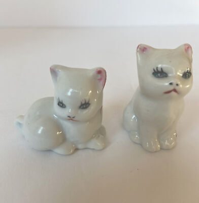 Vintage Small Ivory Cream White 2 Kittens Cats Figurine Hand Painted