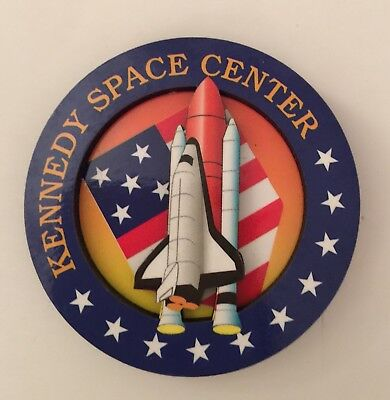 KENNEDY SPACE CENTER Collectible Magnet  Pin NASA Shuttle KSC Vintage