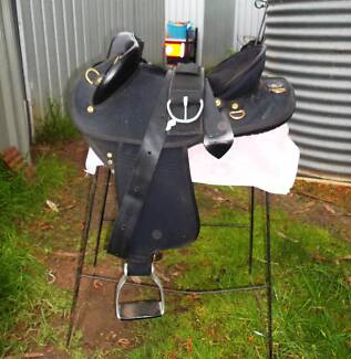 Ammo Saddle  WITH FREE MOUNTS Near New condition Centred Seat Albany Area Preview