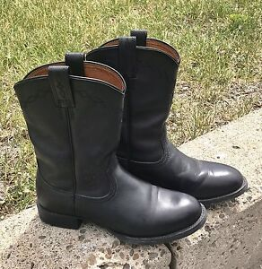 Ladies Size 6.5 Ariat Leather Cowboy Boot