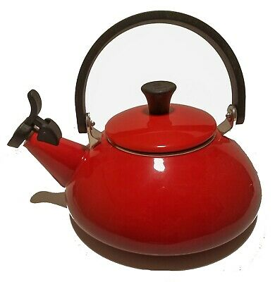 Le Creuset Enamel On Steel 1.6 Qt. Zen Tea Kettle, Cerise New OoB