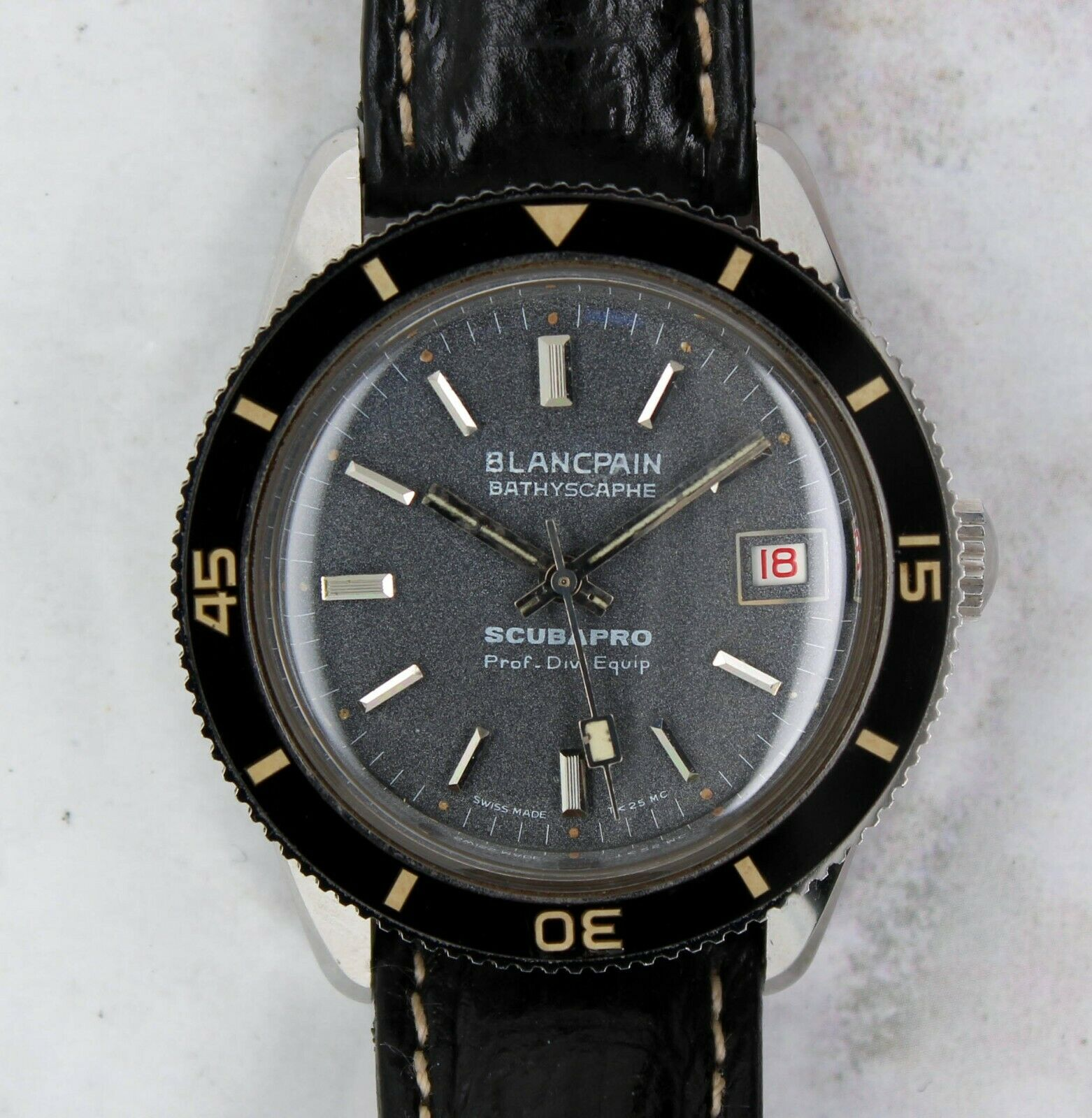 Vintage Blancpain Fifty Fathoms Bathyscaphe Scubapro Diver Wristwatch RARE NR - watch picture 1