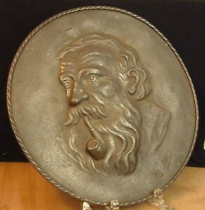 Grand médaillon d'un Vieil homme ? Signé Millet estampillée Villedieu-les-Poêles - France - Matire: Bronze Authenticité: Original - France