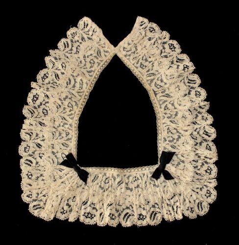 Antique Victorian Chantilly Bobbin Ecru Lace Sculptured Collar