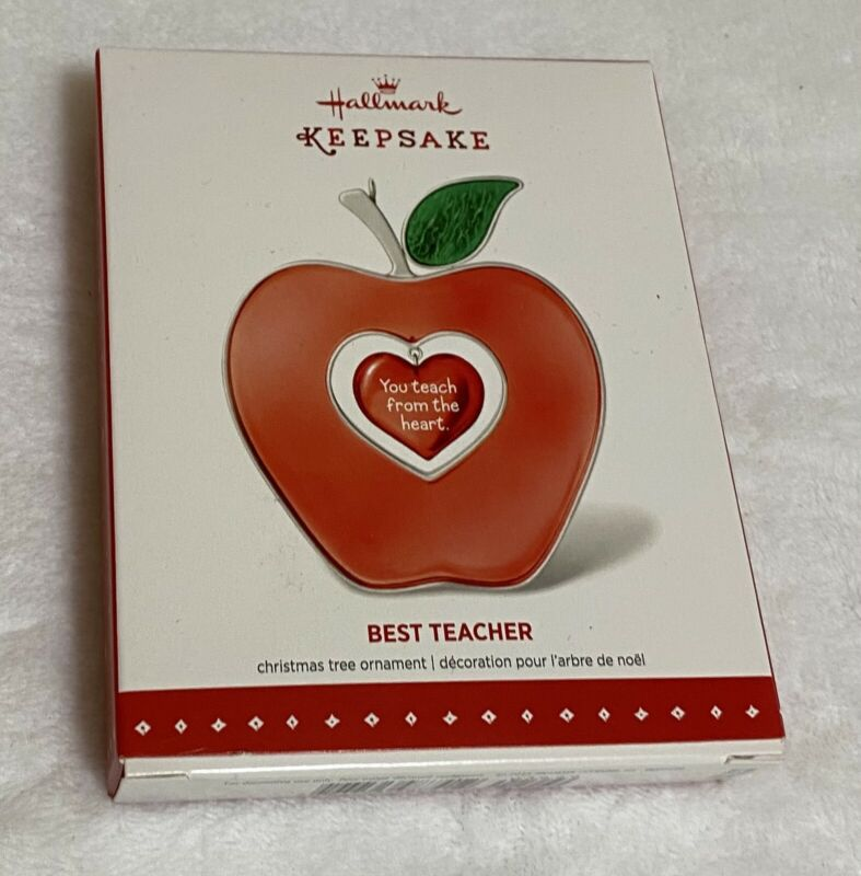2015 Hallmark ~~BEST TEACHER~~  Apple with a hanging heart ~NIB~ Ships FREE