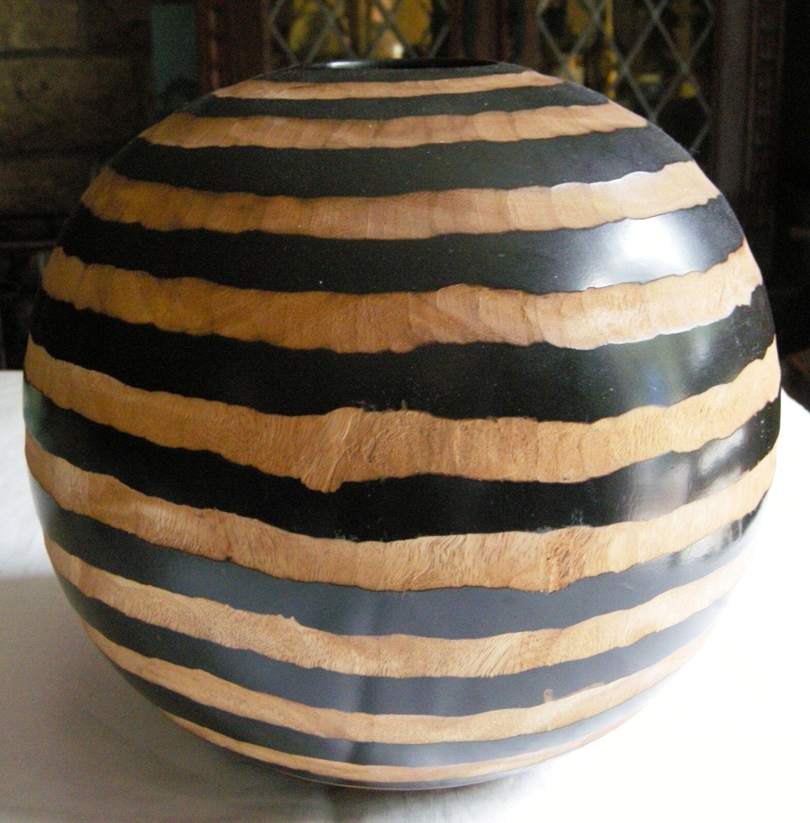 Original vase en bois