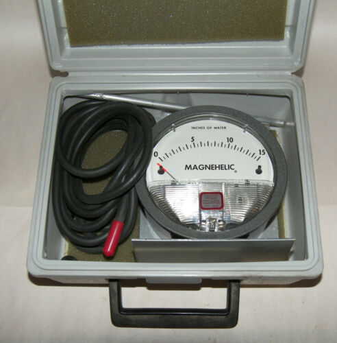 Dwyer Instruments Analog Magnehelic Water Pressure Gage, Cat. No. 2015C  Works
