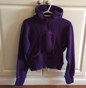 Ladies Lululemon Purple Sweater Size 8