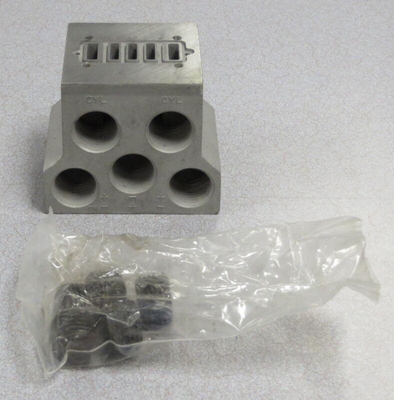 """MILLER FLUID POWER Valve Subplate 1/2"""" Ports (NPT) M/N: 320-504"""