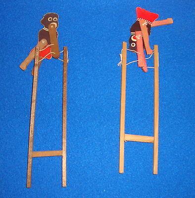 Акробат на лестнице игрушка 102