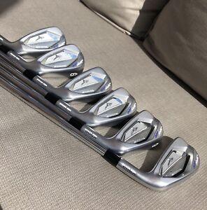 Mizuno JPX900 Forged Irons w/Golfpride Midsize MCC+4 grips