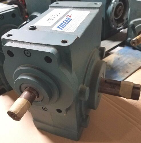 NEW TIGEAR (DODGE) GEAR REDUCER   /    35S-20-R   20:1 RATIO