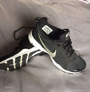3 pairs of Nike mesh shoes