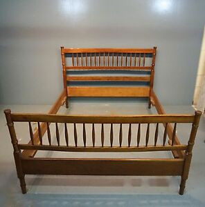 Stickley Furniture Solid Maple Spindle Bamboo Post Full Double Bed Frame