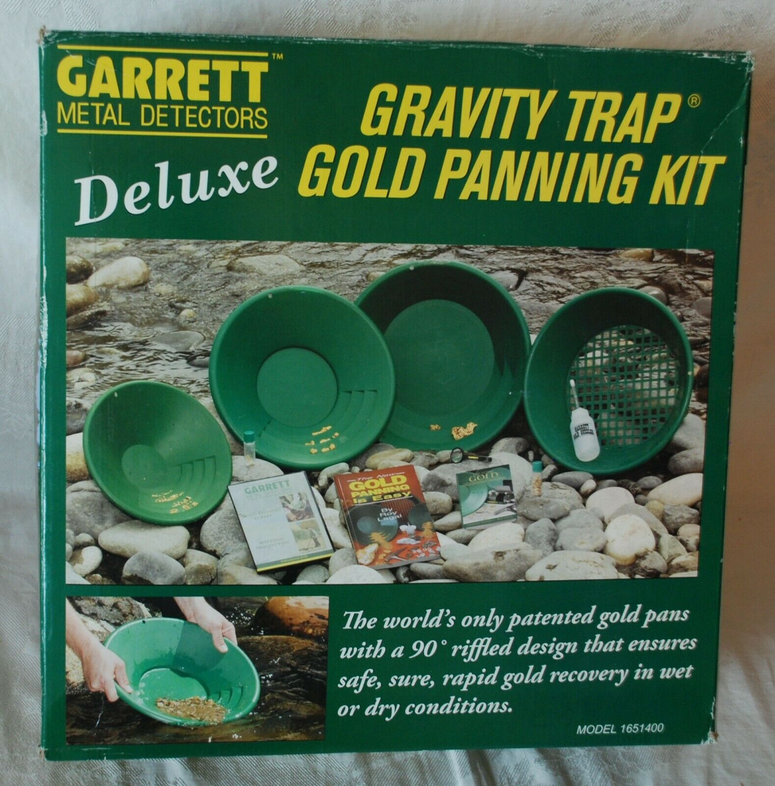 Garrett Deluxe Gold Pan Kit w/ Gravity Trap Pan & DVD New in Box