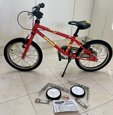 Squish 16. Lightweight. Kids. Bright Red. Stabilisers & Stand .Age 4-6 Yrs. VGC