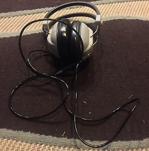 For Sale: Vintage Realistic Nova Stereo Headphones *want gone*
