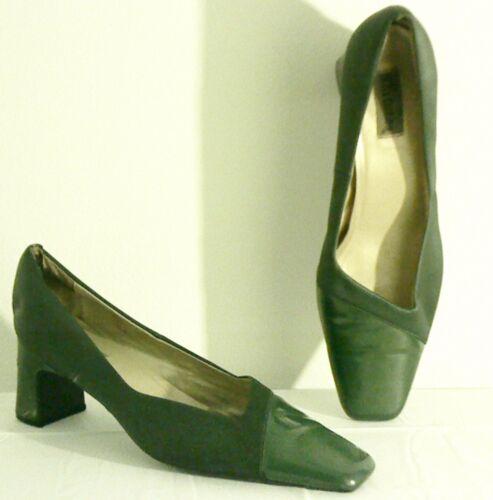 "Women's Size 12M 2 1/2 "" Heels"