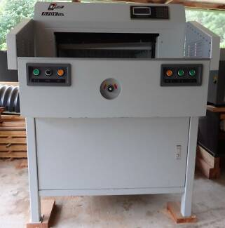Precision Paper Cutter / Mechanical Guillotine - Boway 670v v8.0