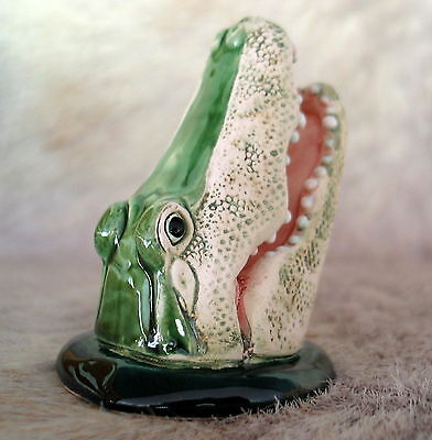 - NEW! ALLIGATOR HEAD BUSINESS CARD HOLDER COLLECTIBLE SWAMP PEOPLE GATOR BOYS