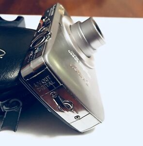 Canon PowerShot SD630 Digital ELPH 6.0 MP Camera SILVER