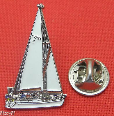 Sailers Hat (Yacht Yachting Lapel Hat Tie Pin Badge Boat Boating Sailer Brooch Gift Souvenir)