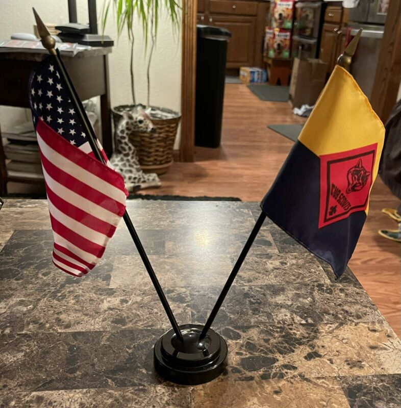 VINTAGE CUB SCOUT AMERICAN FLAG DISPLAY!  FLAGS 10 1/2 INCHES,  STAND 2 1/2 X 1