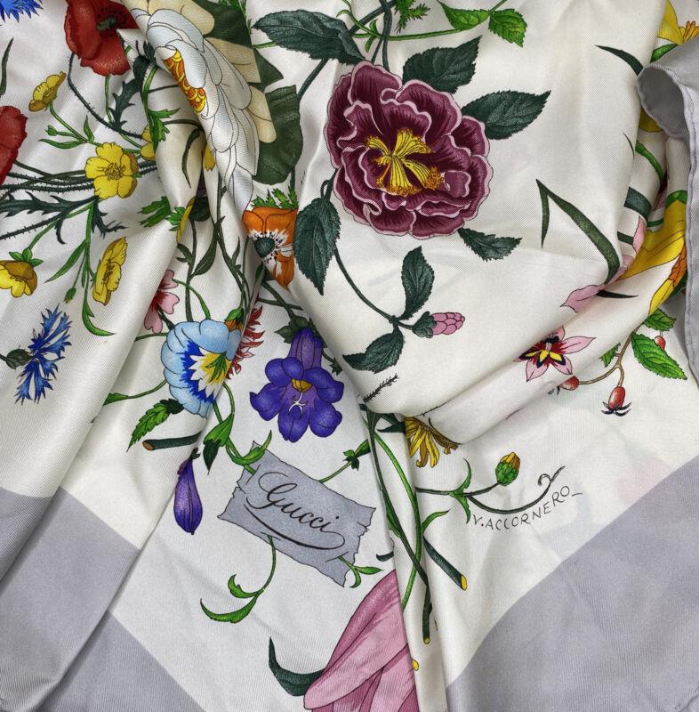 Vintage GUCCI Scarf Silk 70s 80s Floral Vittorio Accornero 34 x 34 Hand Rolled