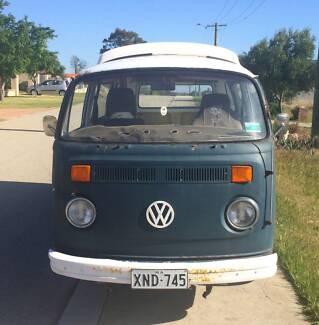 1976 VW Volkswagen Kombi Camper Microbus Van Fuel Injected