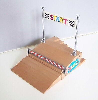 PLAYMOBIL V1101 AIR de JEUX Rampe Départ Course de Kart 4141 Complète
