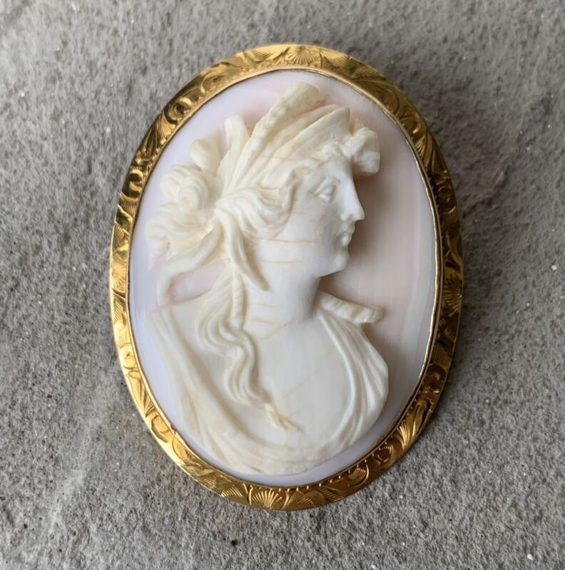 Antique Victorian 10k Gold Carved Cameo HIGH RELIEF Brooch Pin Pendant
