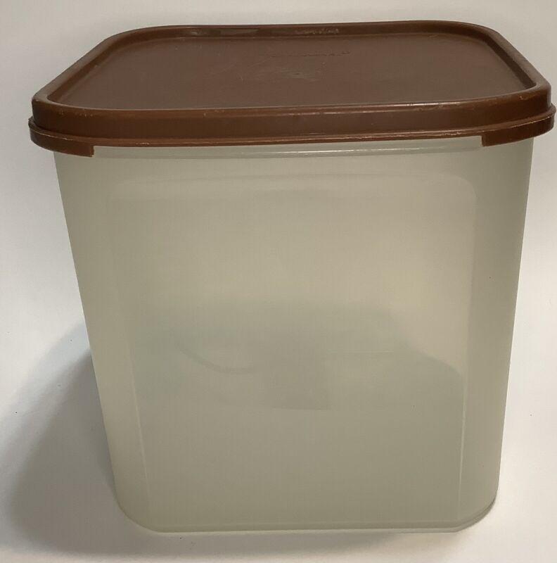 Tupperware Modular Mates Square #3 Brown Lid 17 Cups 4 Liters