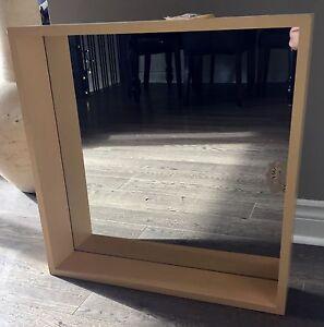Mirror/shelf