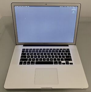 "MacBook Pro 15"", 2011 i7 2.0 GHz, 4 GB, 500GB."