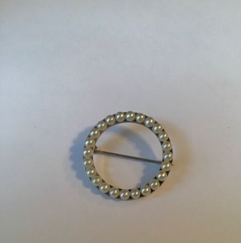 Vintage STERLING SILVER CIRCULAR FAUX PEARL BROOCH Jewelry Pretty Piece