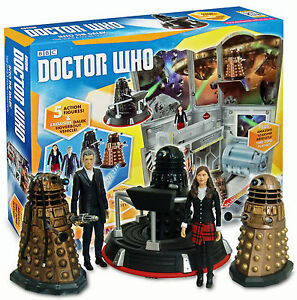 * DOCTOR WHO * INTO THE DALEK * INCL 5 x FIGURES + HOVERBOUT VEHICLE * BNIB *