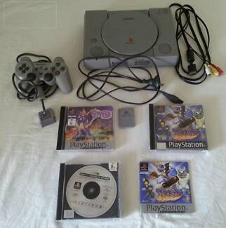 play station 1  and spyro games