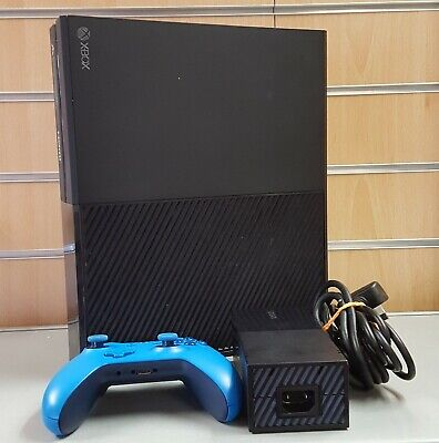 (SO4) Microsoft Xbox One 1TB, with Blue wireless Controller and Leads