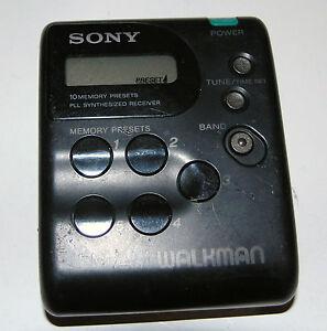 RARE-Vintage-Sony-FM-AM-Walkman-Radio-Digital-Tuner-SRF-M33-FOR-PARTS-OR-REPAIR