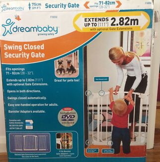 Security Gate - dream baby - Swing Close