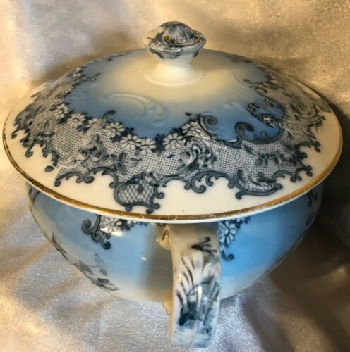 Antique VICTORIAN CHAMBER POT WITH LID